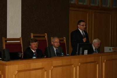 od lewej: Andrzej Martuszewicz, Stanisław Chmielewski- Sekretarz Stanu, SSA Krzysztof Józefowicz- Prezes SO wPoznaniu, SSO Piotr Hejduk- Przewodniczący V Wydziału Penitencjarnego SO wPoznaniu